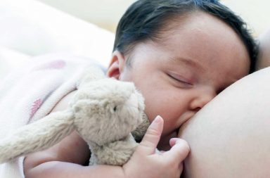 Como saber se o leite materno esta sustentando o bebê